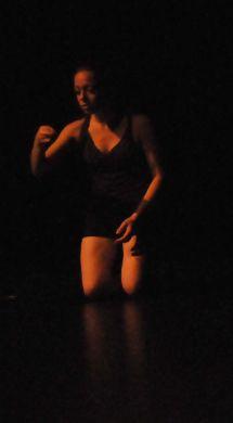 7 pupilles de feu (2012) - Choregraphie Josiane Fortin - Photo Cindy Lopez - Interprete Josiane Fortin